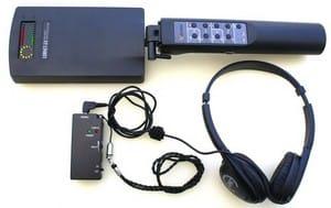 Detektor nelineárních přechodů LORNET 24 se sluchátky a BT přijímačem